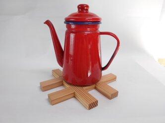 鍋敷き・木製井桁組のシンプルな鍋敷きの画像