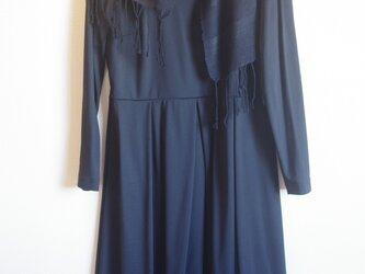 黒 薄手のシルク・ブラック 手織りマフラー  の画像