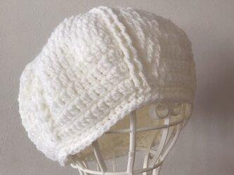 まあるいニット帽の画像