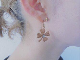 四つ葉クローバーピアス pierced earrings clover <PE3-1219>の画像