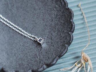極小 天然サファイア 四角 ネックレス シルバー925の画像