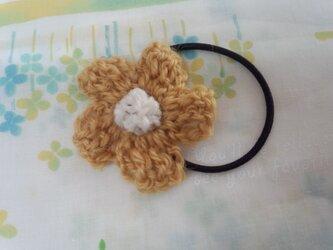 【手縫い屋】編み編み花ヘアゴム☆イチョウ色☆ウール100%の画像