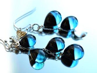 【冬季限定】ブラック×ブルー*バイカラーアシンメトリーピアスorイヤリング(ロジウム)の画像