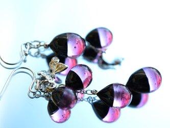 【冬季限定】ブラック×ピンク*バイカラーアシンメトリーピアスorイヤリング(ロジウム)の画像