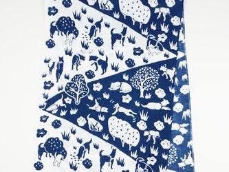 手ぬぐい【 犬の散歩 】印度藍の画像