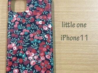 【リバティ生地】ウィルトシャー赤 iPhone11の画像