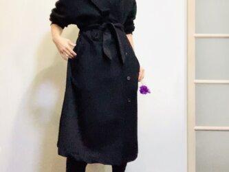 アルパカシャギー 毛並の美しいオーバーサイズのテーラーガウンコート 黒の画像