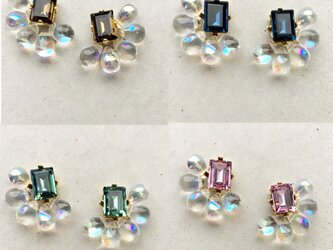 スワロフスキーと雫グラスのイヤリングの画像