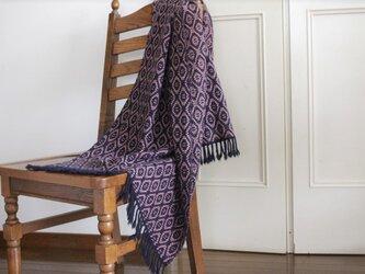 <梅重ねと濃藍>カシミヤ手織りストールの画像