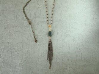 エメラルドとスピネルのネックレスの画像