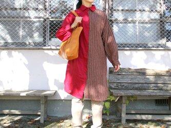 リネン 柄アシンメトリー シャツワンピース 春夏物の画像