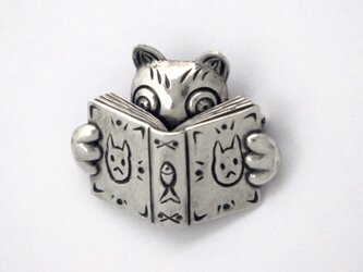 読書猫 Ⅱブローチの画像