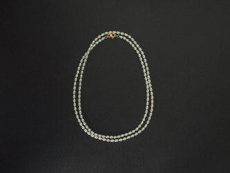 真珠のロングネックレスの画像