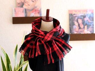 手織りコットンストール ブラックxレッド チェック柄 3シーズンチクチクしないの画像