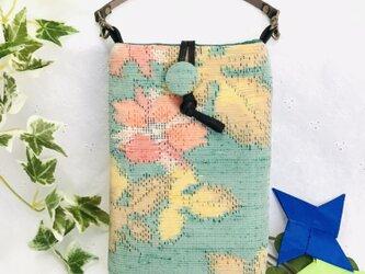 着物リメイク・紬のスマホポーチ・草花柄の画像