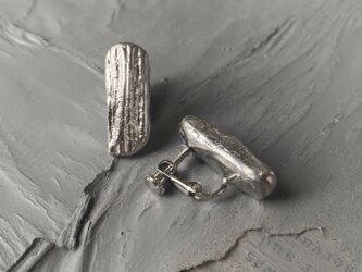 錫イヤリング 細長の画像