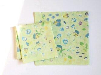 【ハンカチ•弁当包み•三角巾】「春のかすみの中で」グリーンの画像