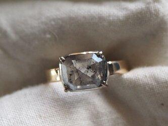 エメラルドシェイプナチュラルダイヤモンドリングの画像