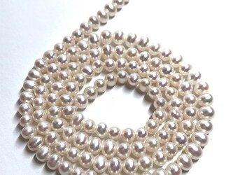 極小 淡水パール 連 40cm ポテト ベビー 3mm*3.5~4mm 真珠 素材 パーツ 材料 送料無料の画像