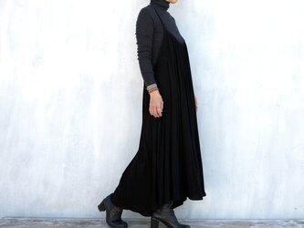 楊柳キャミソールワンピース ブラックの画像