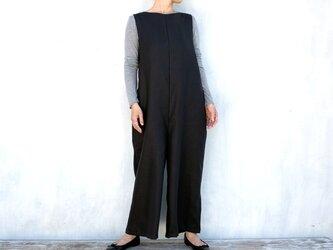 厚手リネン ゆったりジャンプスーツ(ブラック)の画像