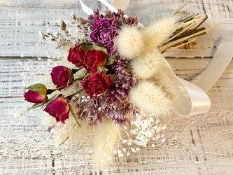 星月猫★「3色のミニ薔薇とフジバカマの小さなブーケ」ドライフラワー 花束 スワッグの画像