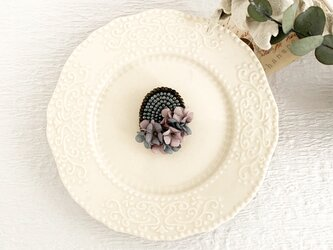 """Brooch : ブローチ """" Embroidery and flower brooch. """"  グレー×ピンク の画像"""