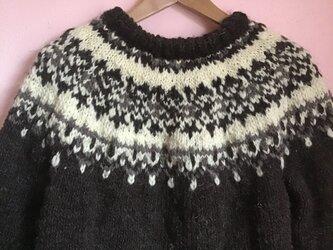 手編み 手紡ぎ毛糸のノルディックセーター の画像