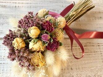 星月猫★「2色の薔薇とフジバカマの小さなブーケ」ドライフラワー 花束 スワッグの画像