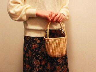 皮籐の小さなかごバッグ(内袋/えんじ)の画像