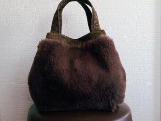 ファーxコーデュロイのふっくらトートバッグの画像