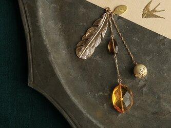 琥珀と天然石とパールの帯飾り【送料無料】の画像