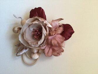 再販ベージュ丸薔薇の画像
