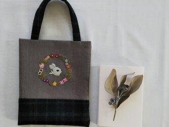 うさぎのミニバッグの画像