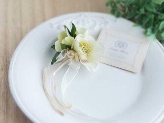 クリスマスローズコサージュ&ヘッドドレス 2way☆バニラ christmas rose corsage vanillaの画像