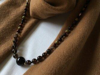 スモーキークオーツとモリオンのネックレスの画像