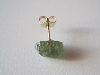 デマントイドガーネットの原石ピアス /Namibia  片耳 14kgfの画像