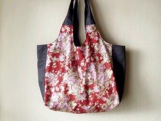 ◆ SALE ◆何でも入るモノプリバッグ エンジの花柄の画像
