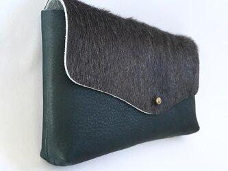 牛毛皮と牛シュリンクレザーと牛床ベロアのシンプル長財布[ダークグレー×ネイビー]の画像