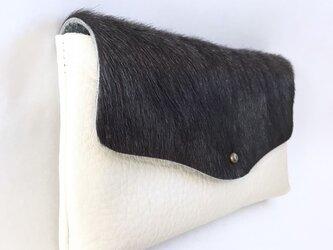 牛毛皮と牛シュリンクレザーと牛床ベロアのシンプル長財布[ダークグレー×オフホワイト]の画像