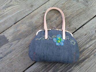 麻とレザーハンドルの口金バッグの画像