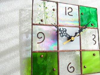 【18㎝×18㎝】ステンドグラス*掛時計・モザイクB(緑2)の画像