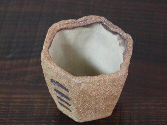 マンガン模様の六角猪口の画像