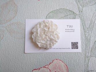 刺繍ブローチ 白雪2の画像