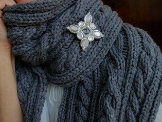 【再販】手編みのセーターに。ブローチペンダントの画像
