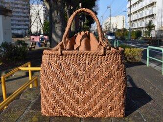 山葡萄(やまぶどう)籠バッグ   V型網代編み   巾着と中布付き   (約)幅32cmx高さ25cmx奥行12cmの画像