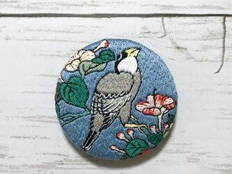 手刺繍浮世絵ブローチ*葛飾北斎「鵤と白粉花」よりの画像