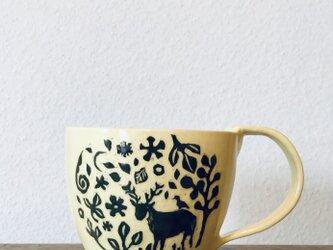 """黄釉 kakiotoshi mug  """"春の野に鹿""""の画像"""
