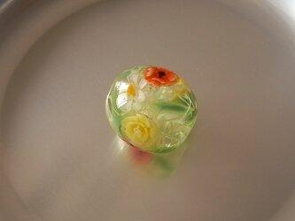 アネモネとバラのガラス球・ガラス製・とんぼ玉の画像