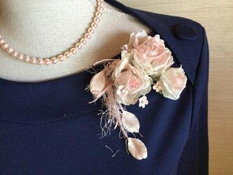 再販ピンク薔薇飾り紐付きの画像